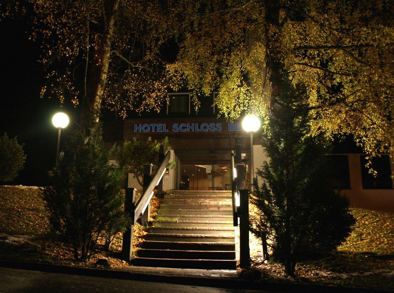 Hotel Schloss Berg Eingang