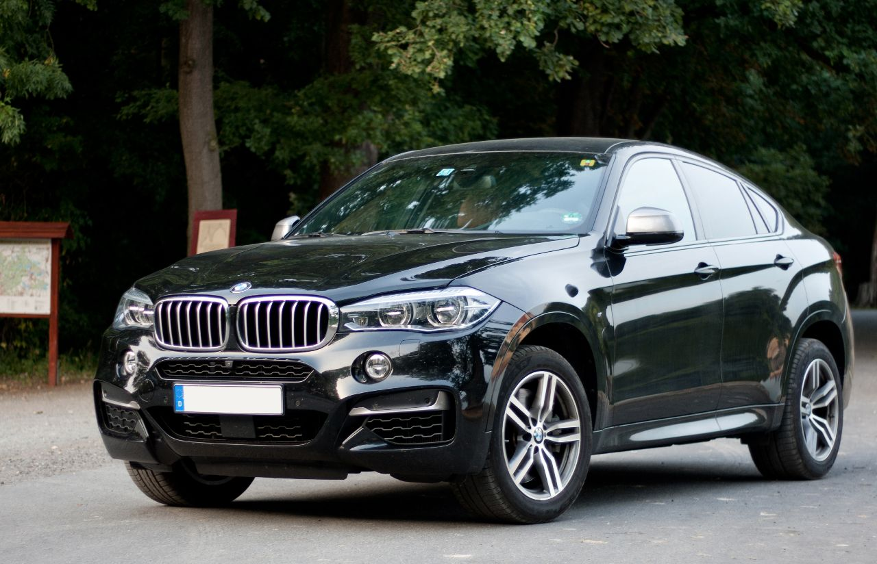 Bmw X6 M50d Seitenlinie On The Road Again Auto