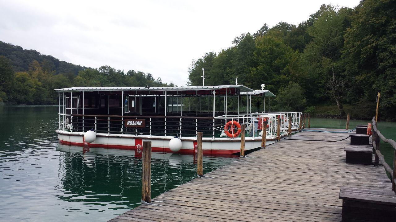 Boote an den Plitvicer Seen