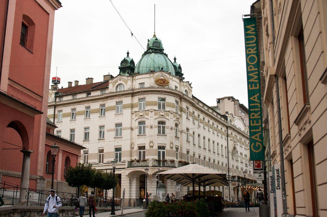 Grand Hotel Union Gebäude