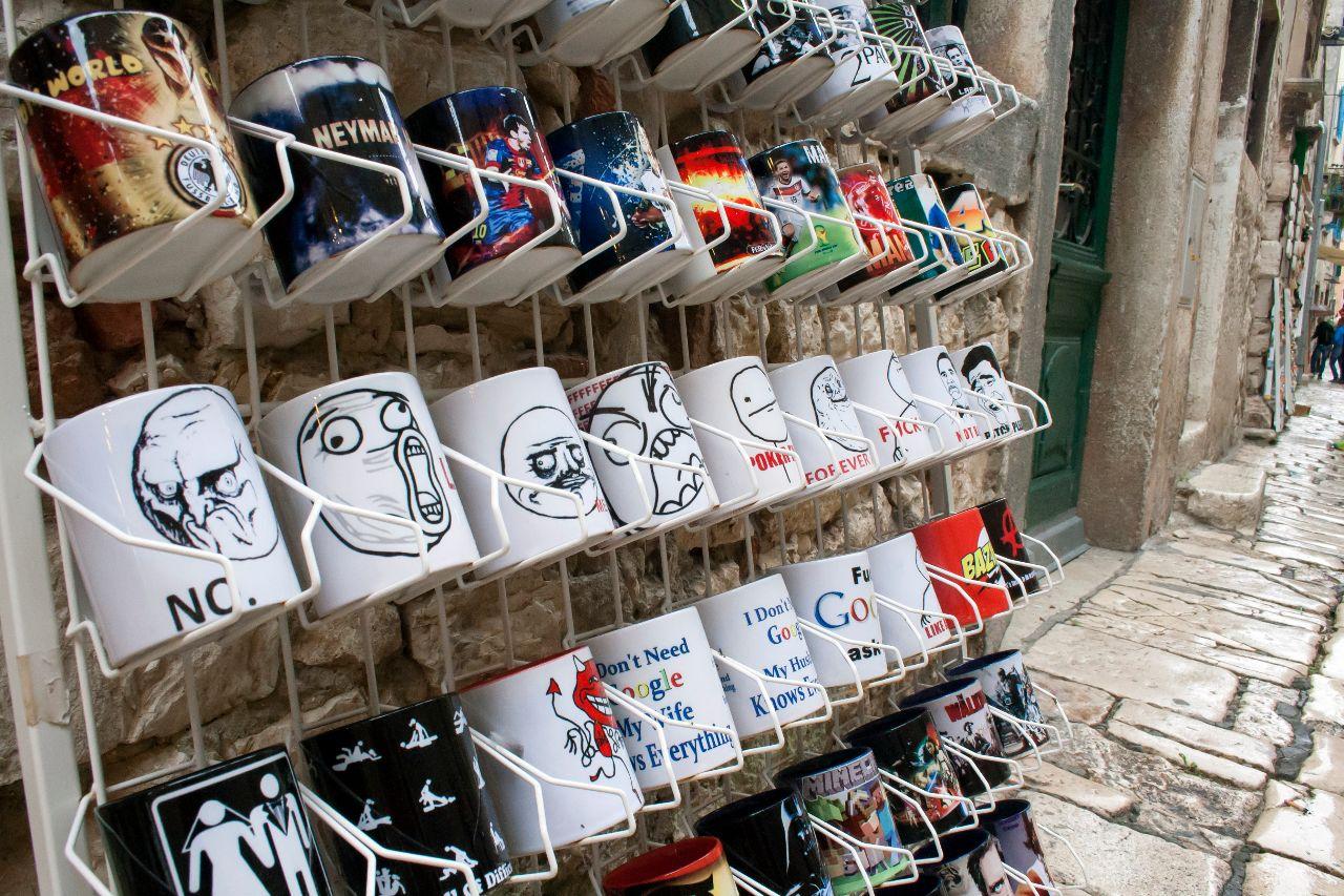 Rageface Tassen als Souvenir in Rovinj