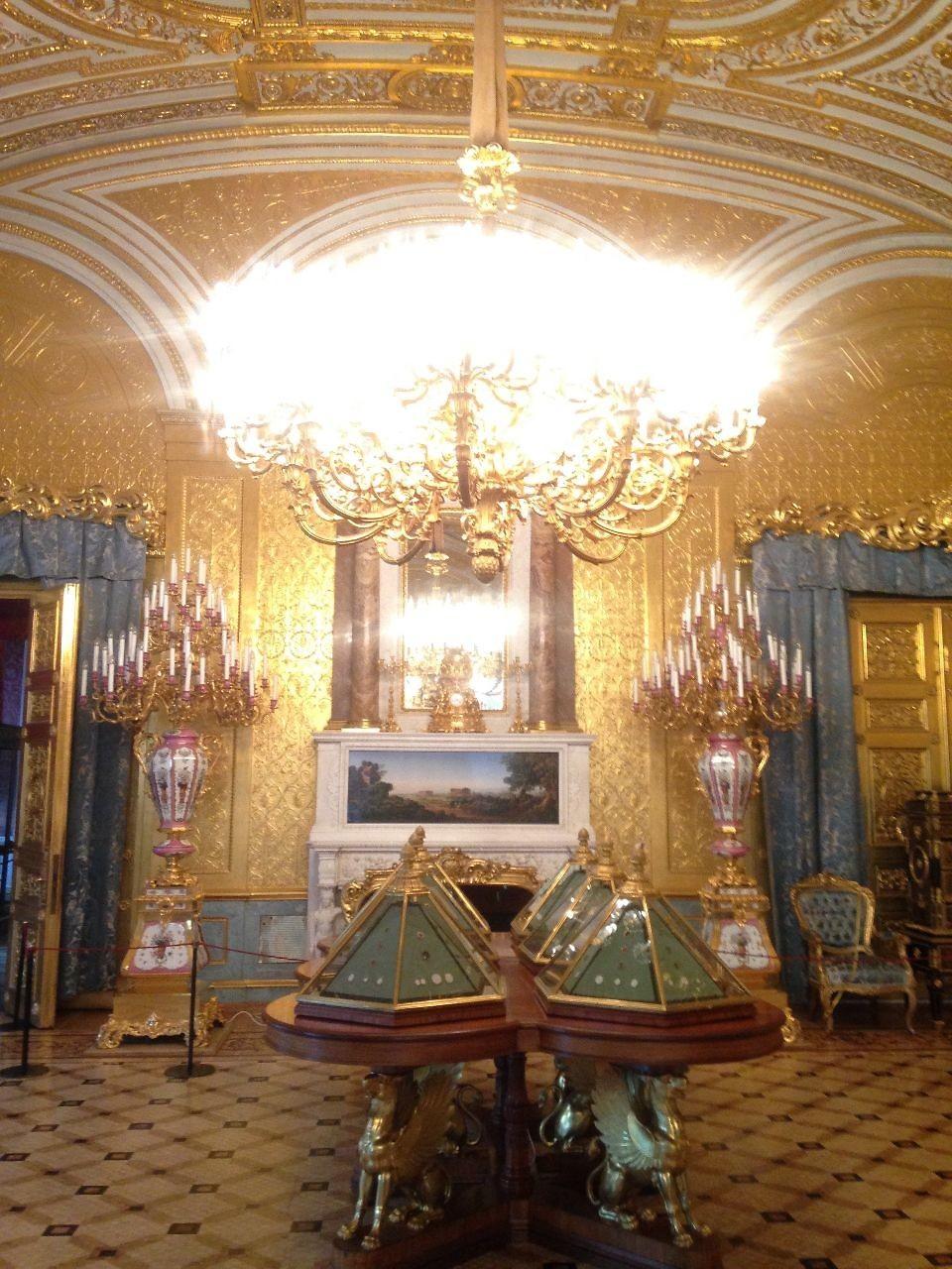 Goldverzierter Raum in der Eremitage