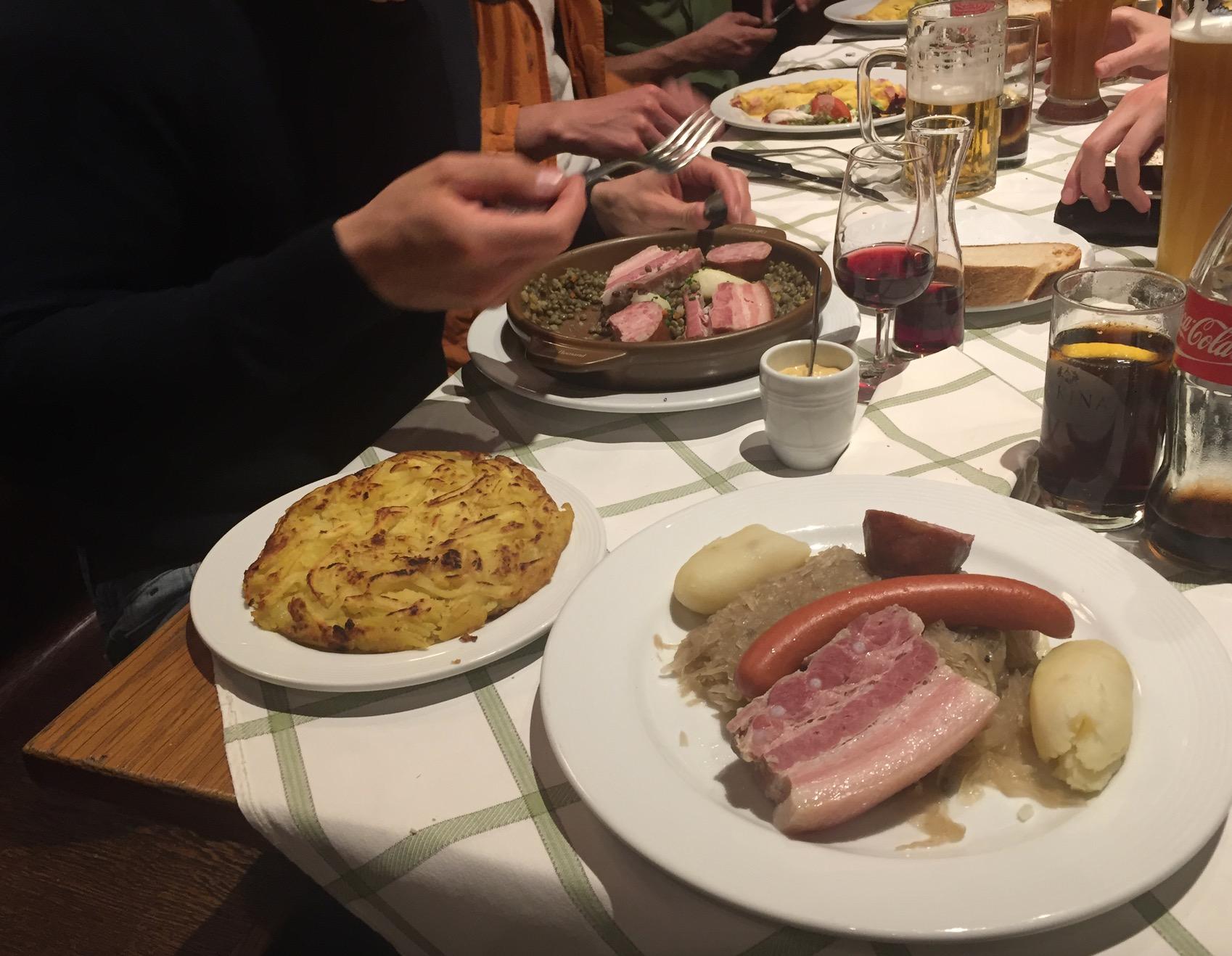 Charmant Lokale Küche Und Hahn Fotos - Küche Set Ideen ...
