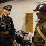 Abbildung eines SS Offiziers im Omaha Beach Museum