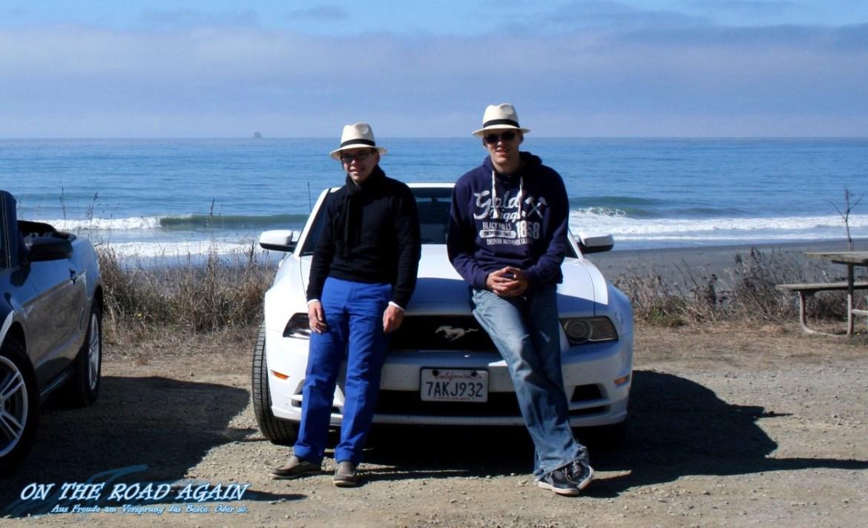 Uwe und Robert mit Mustang Cabrio