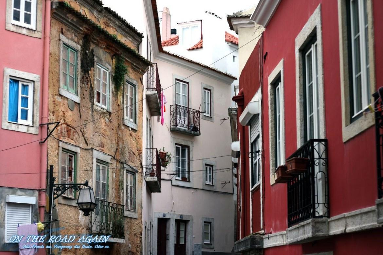 Farbenfroh trifft auf farblos in Lissabon
