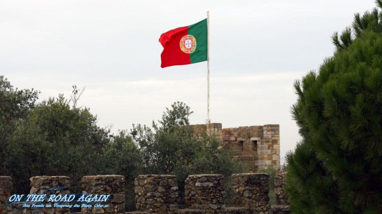 Portugisische Flagge am Castelo Sao Jorge