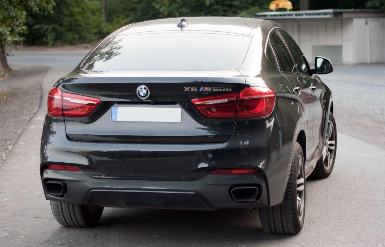 BMW X6 M50d Heck