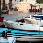 Boote im Hafen von Jelsa