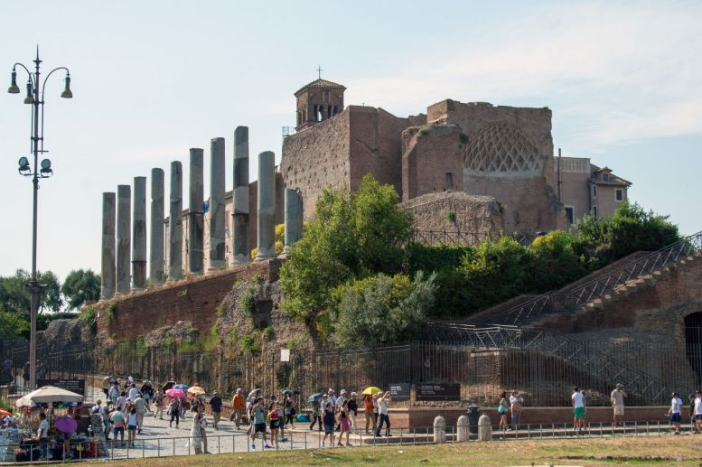 Auf dem Weg zum Forum Romanum Rom