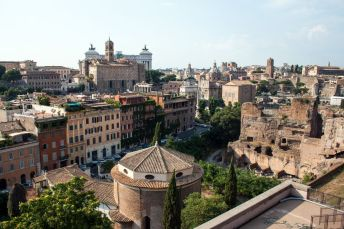 Blick auf die Altstadt vom Forum Romanum