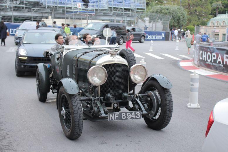 Alter Bugatti auf der Avenue de Monte Carlo