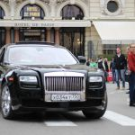Rolls Royce Phantom vor dem Hotel de Paris in Monaco