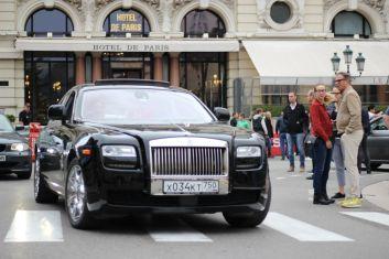 Rolls Royce Phantom vor dem Hotel de Paris in Monaco
