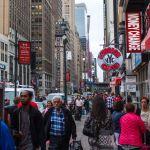 fussgaenger-in-new-york-city