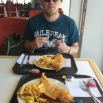 Micha und Moritz mit Fish and Chips