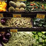 Buntes Gemüse in Latino Supermarkt New Jersey
