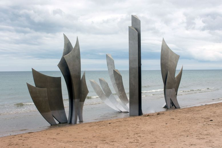 D-Day Memorial Les Braves Omaha Beach