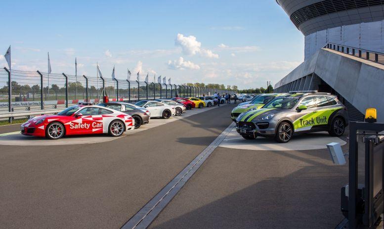 Boxengasse Teststrecke Porsche Leipzig