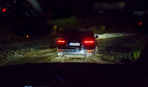 Porsche Cayenne Wasserdurchfahrt