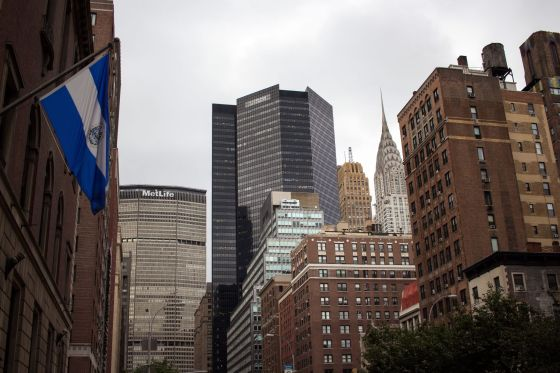 MetLife + Chrysler Building von der Park Avenue