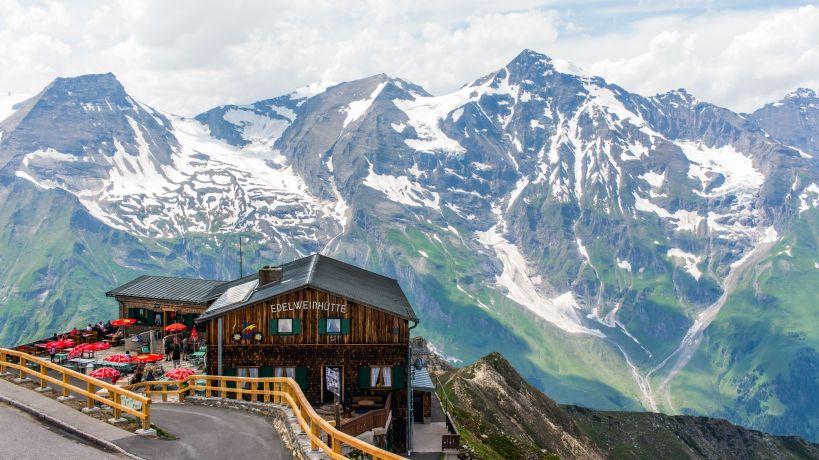 Edelweißhütte auf der Edelweisspitze, Großglocknerhochalpenstraße