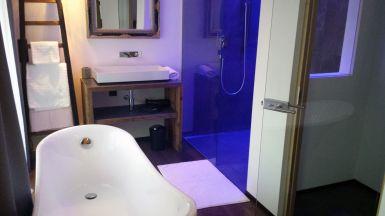 Ferienwohnungen, Apartmenthaus Tisense Südtirol - Badezimmer