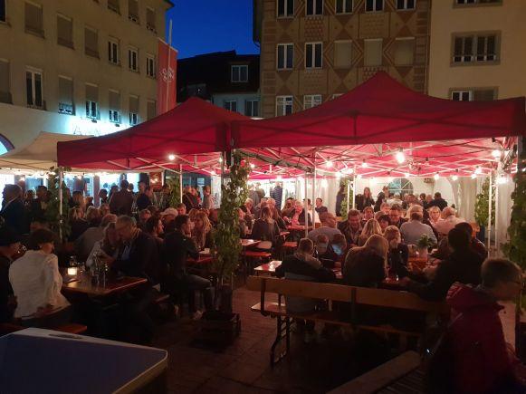 Weinparade auf dem Markplatz Würzburg