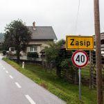 Ortseingangsschild Zasip, Slowenien