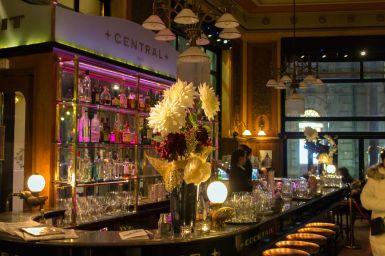 Bar im Café Central, Budapest