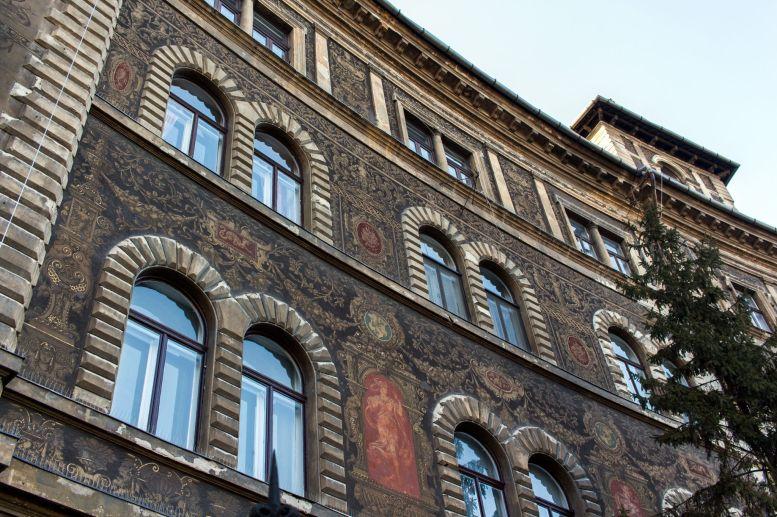 Verzierte Fassade am Kodaly Körönd, Budapest, Ungarn