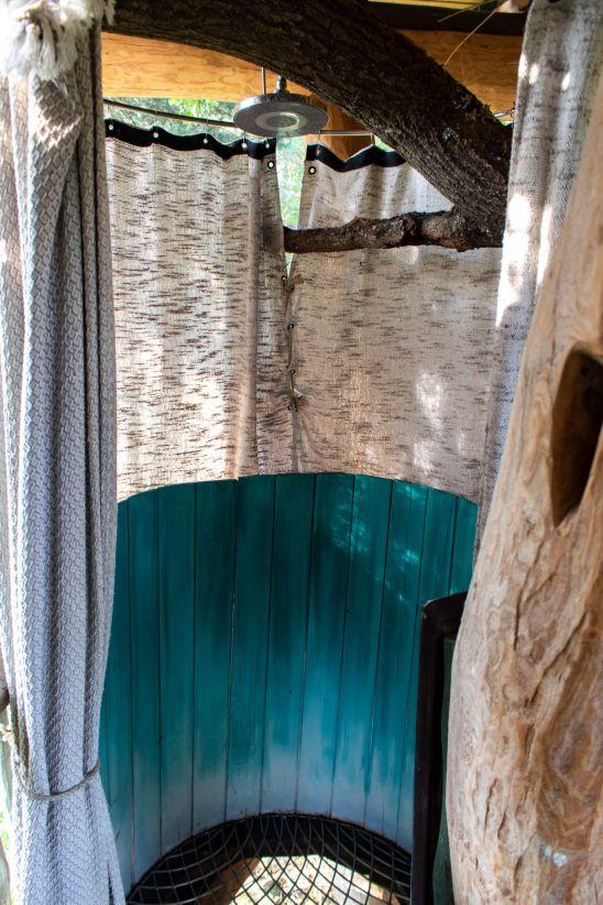 Dusche im Baumaquarium