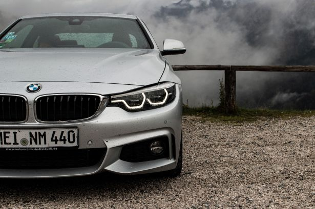 BMW 4er am Staller Sattel