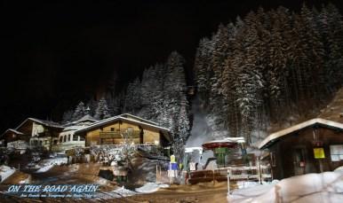 Skilift schläft bei Nacht