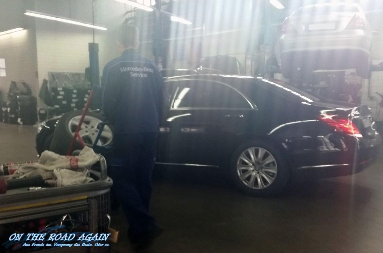 Mercedes-Benz S-Klasse in der Werkstatt