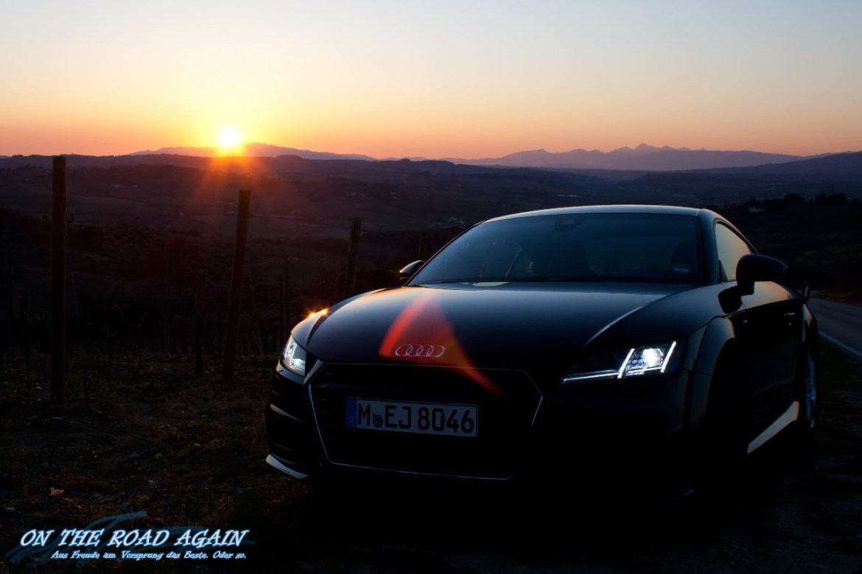 Audi TT im toskanischen Sonnenuntergang
