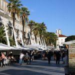 Verkaufsstände am Hafen von Split