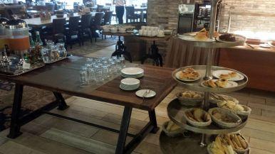 Brötchen und Saft Frühstück Hotel Loft