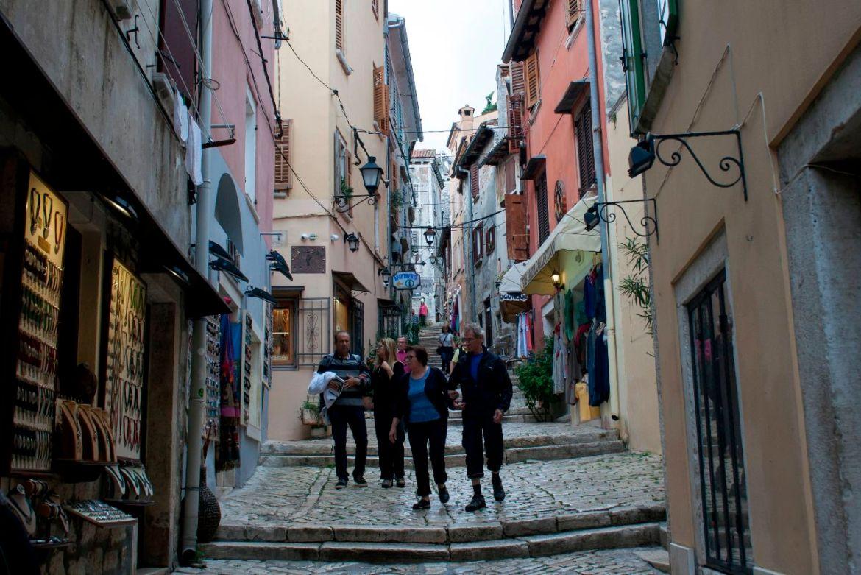 Gasse in der Altstadt von Rovinj