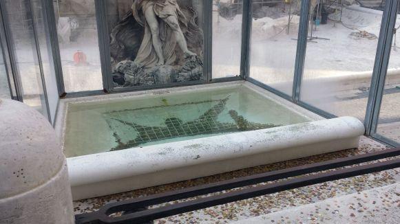 Fontana di Trevi während der Restaurierung