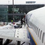 Ryanair Nottreppe statt Gangway