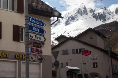Straßenschild Realp