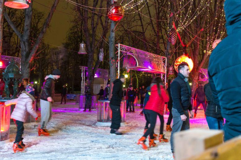 Eisbahn Paris Wintermarkt