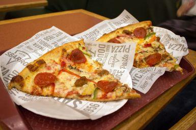 Supreme Pizza bei Sbarro