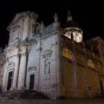 Beleuchtete Kirche in Dubrovnik