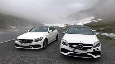 Mercedes-Benz A45 AMG und C63S bei Nebel in den Bergen