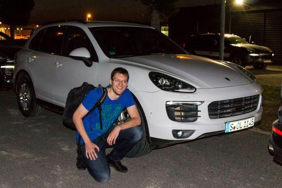 Robert mit Porsche Cayenne S