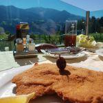 Cordon Bleu mit Aussicht in Jenbach, Österreich