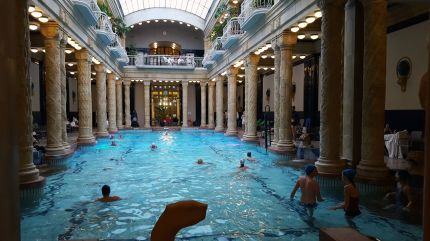Schwimmbecken im Gellért-Bad, Budapest