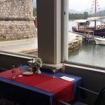 Tisch in der Villa Koruna, Kroatien